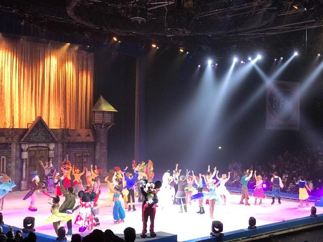 Disney sur Glace 100 ans de reve